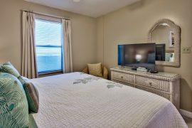 1710 Bedroom w Cable/Netflix/Amazon Prime
