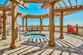 Pelican Beach Resort Hottub